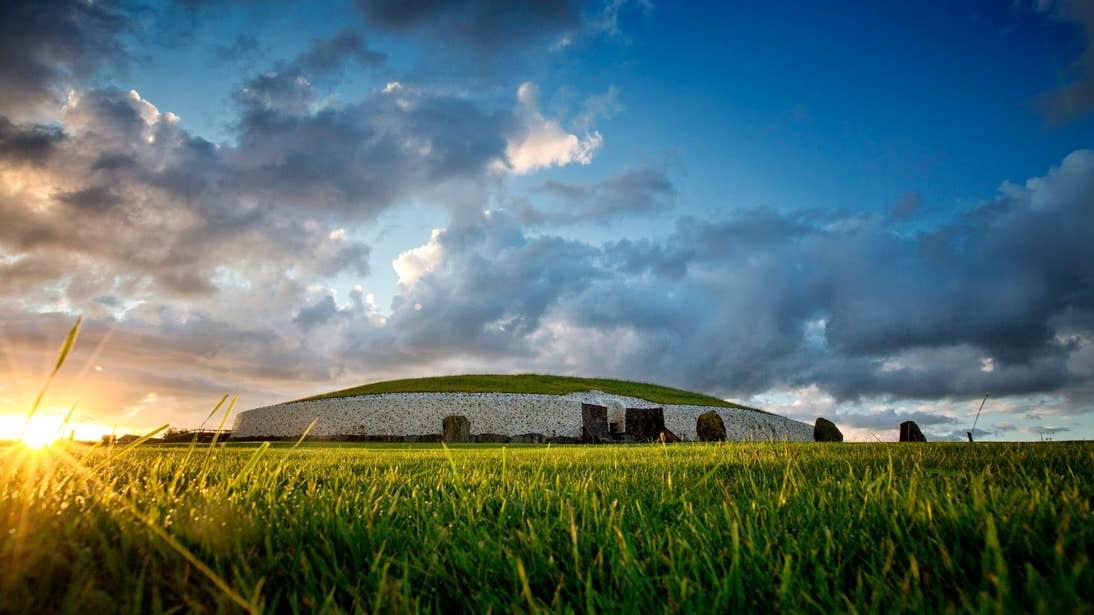 Sunrise at Newgrange, Meath