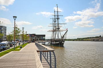 Image of Dunbrody Famine Ship in New Ross in County Wexford