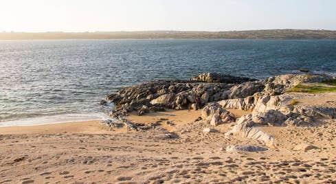 Trá an Dóilín (Coral Strand)