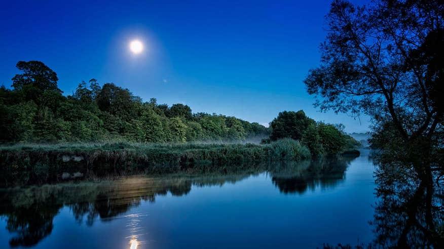 Paddle down the River Boyne.