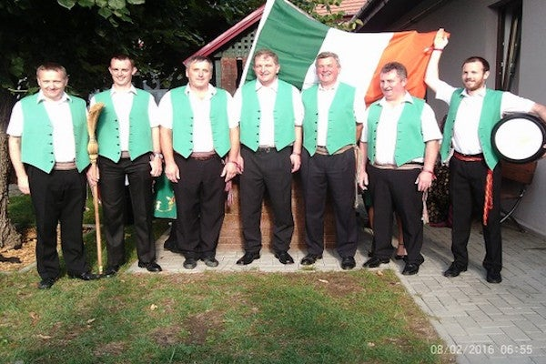 Irish group performers