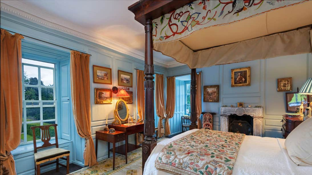 Bedroom and four poster bed in Huntington Castle, County Carlow