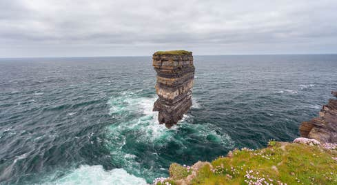 Dún Briste sea stack separated from the cliffs at Downpatrick Head, Co. Mayo