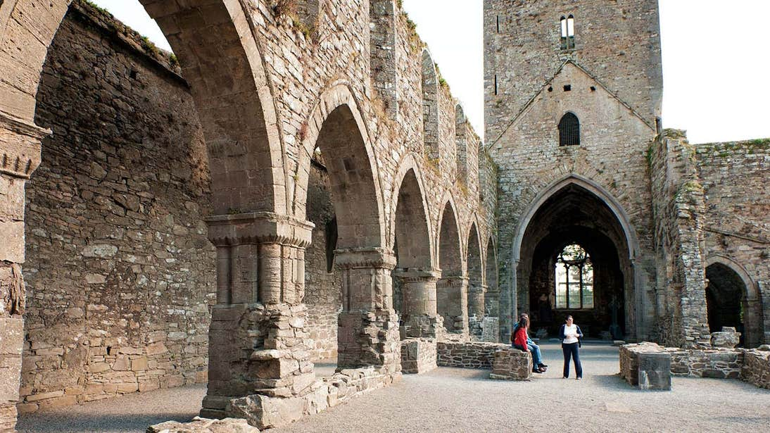 People on a tour of Jerpoint Abbey in Co. Kilkenny