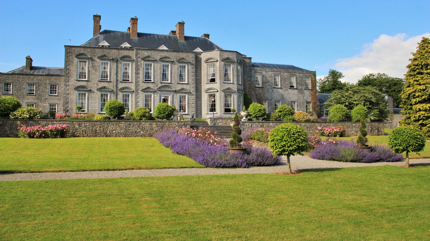 See the beautiful gardens surrounding Castle Durrow.