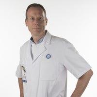Dr.   Fennis