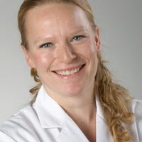 Dr.   Nijkeuter