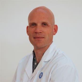 Dr.  van der Veen