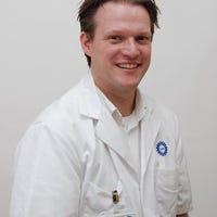 Dr.   Oosterheert