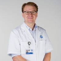 Dr.    Schlösser