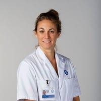 Dr.   Hennus