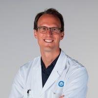 Dr.  van Osch