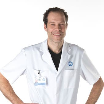 Dr.   Sloots