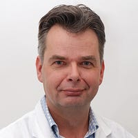 Dr.    Sieswerda
