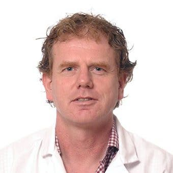 Dr.    Witkamp