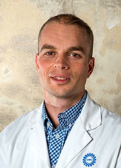 Dr.   Dankbaar
