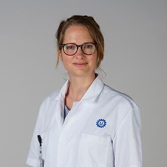 Dr.   Deddens