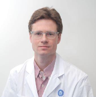 Dr.   Kraaijeveld