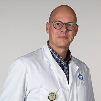 Dr.  van  Zuilen