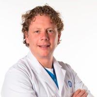 Dr.   Petri